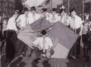 Sossenheimer Kerbbeburschen mit Toni Kinkel  Jahrgang  1929
